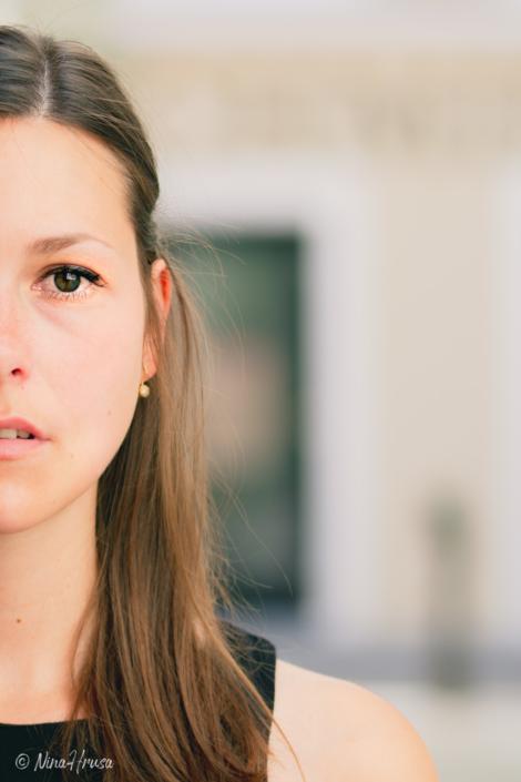 Porträt halbes Gesicht, junge Frau, Zwischenmomente | Nina Hrusa Photography