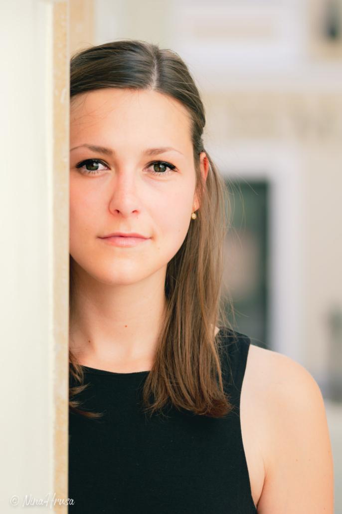 Wunderschönes Porträt, junge Frau, Zwischenmomente | Nina Hrusa Photography
