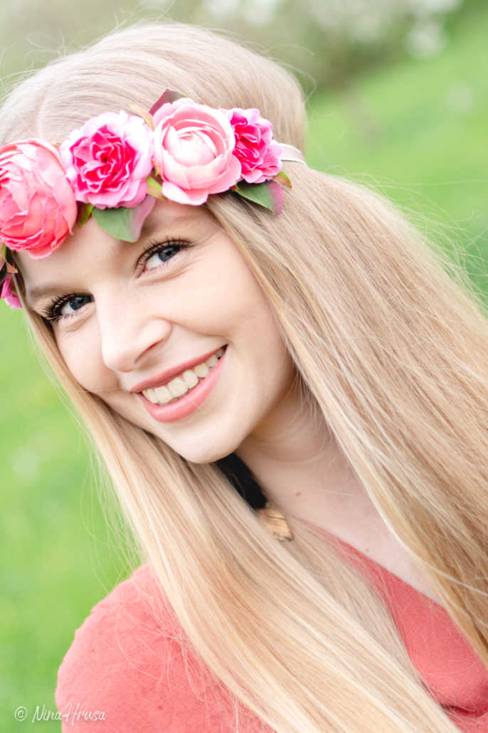 Hippie Girl Portrait, smiling, Zwischenmomente | Nina Hrusa Photography