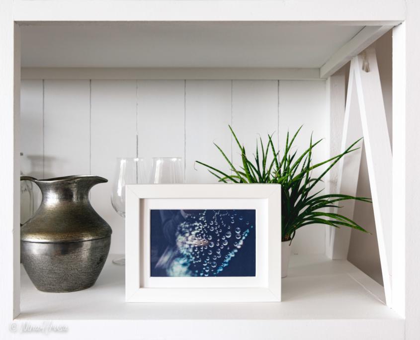 Postkarte Wassertropfen in Bilderrahmen, Zwischenmomente | Nina Hrusa Photography
