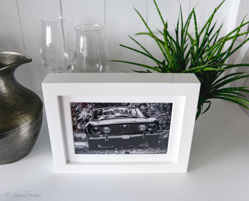 Postkarte Alfa Romeo Oldtimer in Bilderrahmen, Zwischenmomente | Nina Hrusa Photography