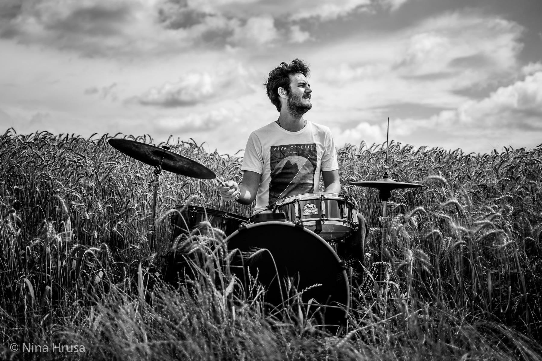 "Play it out loud, the drums, Vernissage ""die Resonanz der Stille"", Zwischenmomente | Nina Hrusa Photography"